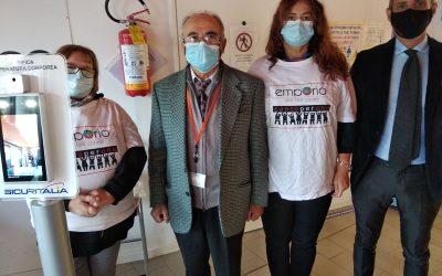 Solidarietà in sicurezza – Donata all'Emporio Solidale di Parma da SECURITALIA il termoscanner a protezione degli utenti, dei volontari, delle famiglie.